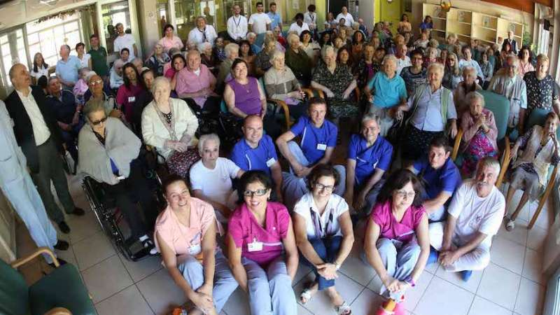 Ação preventiva salva todos os anciãos e profissionais de casa de repouso na Itália