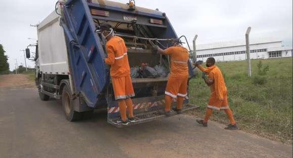 Garis apelam para cuidado com lixo contaminado